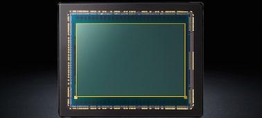 Bild på α7S-kamera med E-fattning och fullformatssensor