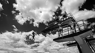 Gábor-Erdelyi-sony-people-jumping-off-diving-board