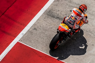 alejandro-ceresuela-sony-alpha-9-gp-motorcyclist-ready-to-start-the-race